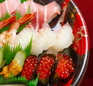 回転すしまんまんの「えび、うに、とろ、いくら、ぶり、サーモン」など寿司の盛り合わせ画像